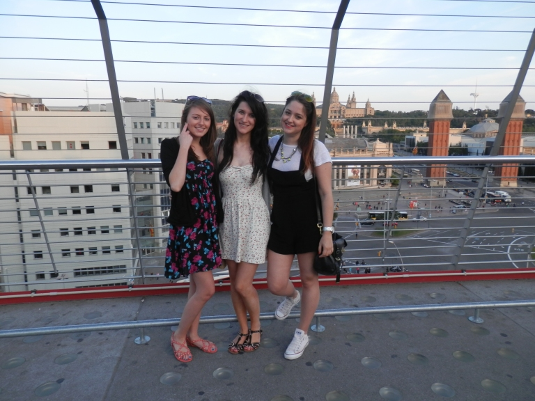 Uni girls visiting in June- Placa Espanya